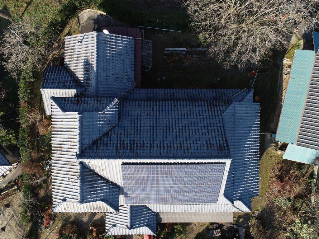 ドローン上空から屋根撮影写真