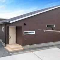 ガルバリウム鋼板使用の家