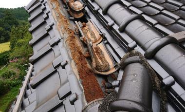 【熊本・南関町】漆喰の剥がれによる屋根修理が完了しました。