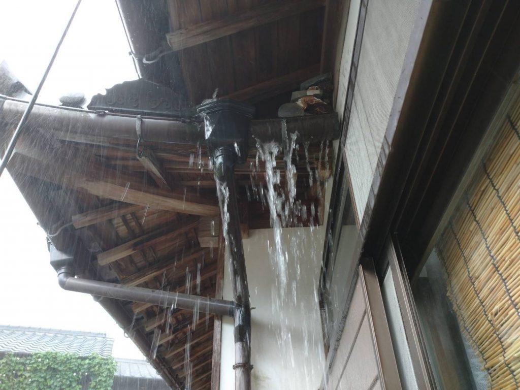 雨樋からの雨漏り