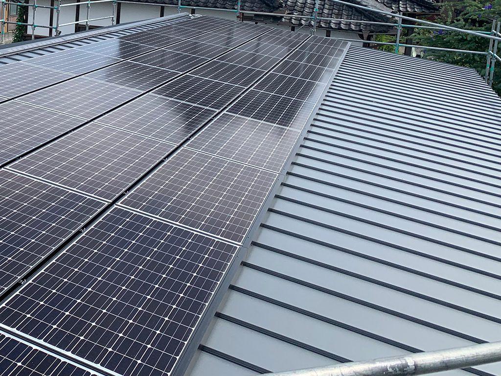 ガルバリウム鋼板 太陽光